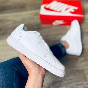 NEW Nike Ebernon